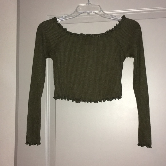 Tops - NWT L Off the Shoulder Crop Top